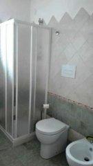 028.AppartamentoAlburni_CameraVerde_WC.jpg